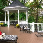 Gossen PVC deck with Timbertech Railing