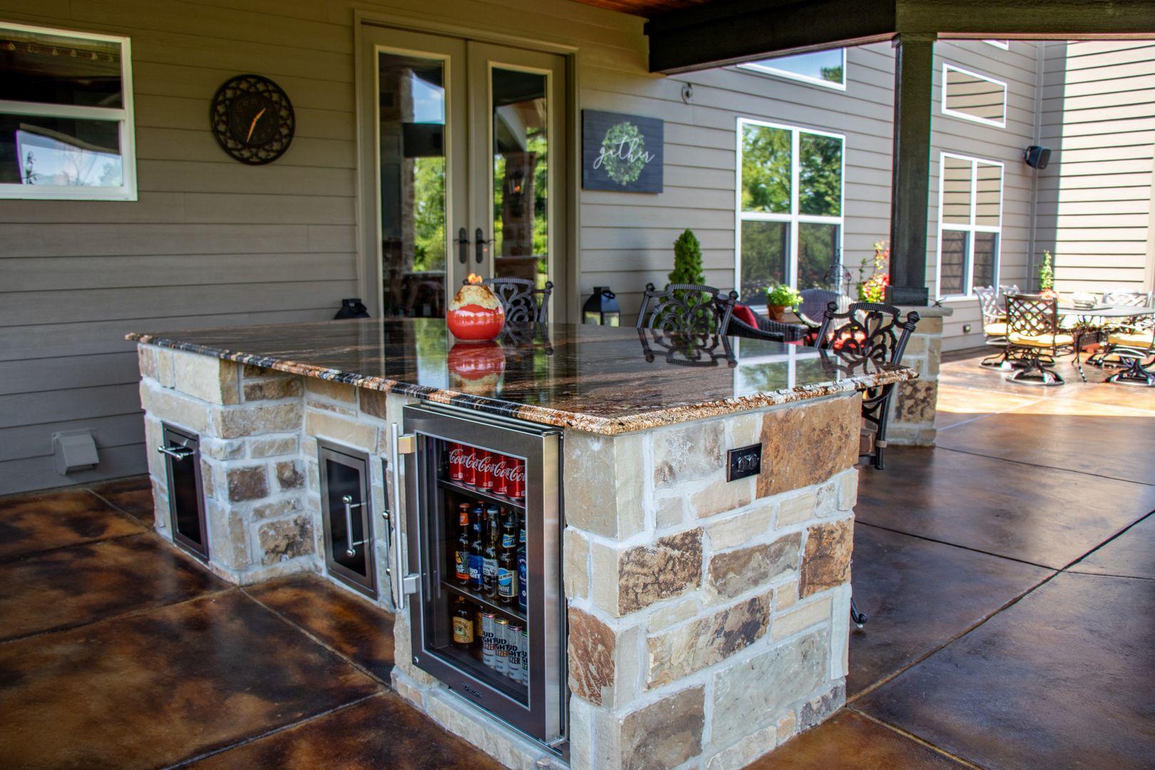 customizable outdoor kitchen